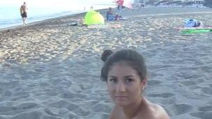 sucking brunette tenåring blowjob amatør russisk utendørs nærhet virkelighet hjemmelaget