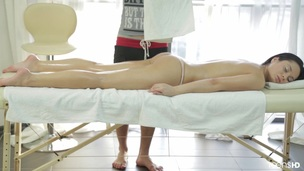 Spicing up her massage with some breathing exercise this babe came up with entirely on her own. The little minx…