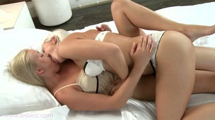 Entrancing muff stimulation with dyke blondes Kayla and Tracy