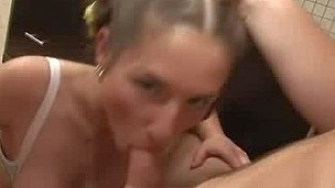 See this pretty virgin chick fucking hard and demonstrating her enticing body for u.