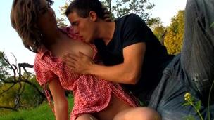 Έφηβος/η Από πίσω Πορνοσταρ Ευχαρίστηση Σεξ Ύπαιθρο   Καριόλα