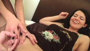 zuigen brunette tiener getrimd hardcore pijpen seks russisch vingeren masturbatie