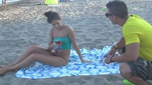 Picking up chicks on a beach is a great idea! Watch this astounding reality sex movie and watch how well it works. This brunette hair chick couldn't resist it!