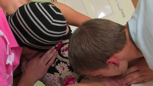 Wench widens her legs and out of hesitation acquires double fun
